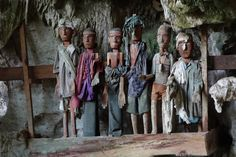TAUTAU Indonesia Wood Carving Doll