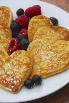 Heart shaped pancakes for Valentine& Day Heart shaped pancakes for Valentine& . - Heart shaped pancakes for Valentine& Day Heart shaped pancakes for Valentine& Day # he - Valentines Breakfast, Valentines Day Dinner, Valentines Food, Valentine Party, Homemade Valentines, Cute Food, Yummy Food, Heart Shaped Pancakes, Heart Shaped Foods