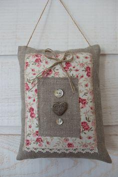 Coussin de Porte Romantique Lin & liberty * : Accessoires de maison par kb-creations