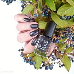 trend it up Trend It Up, Natural Nails, Healthy Choices, Swatch, Manicure, Perfume Bottles, Nail Polish, How Are You Feeling, Fall
