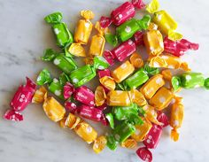 10 Facts About Sugus: A Popular Candy with Swiss Roots Popular Candy, Swiss Chocolate, Roots, Stuffed Peppers, Fruit, Vegetables, Products, Kitchens, Stuffed Pepper