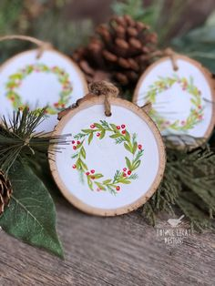 Learn How to Paint a Christmas Wreath and make your own Wood Slice Christmas Ornaments via www.bonnielecatdesigns.com