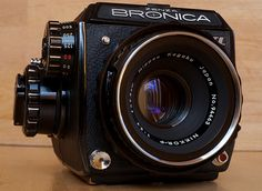 Bronica EC-TL II, medium format film camera