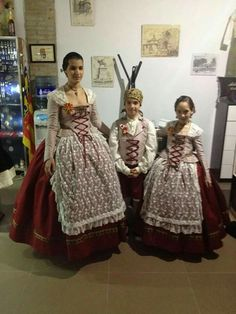 Vintage Antiques, Sari, Costumes, Skirts, How To Wear, Beautiful, Regional, Dresses, Valencia Spain