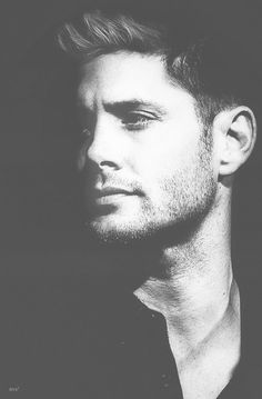Most likely know for the role Dean Winchester in Supernatural. Jensen Ackles Supernatural, Supernatural Fandom, Supernatural Cartoon, Dean Winchester, Winchester Brothers, Jared Padalecki, Destiel, Avatar, Supernatural Wallpaper