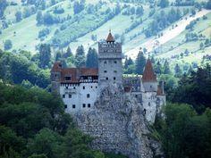 """Bran Castle"",aka ""Vlad,the Impaler's Castle"",Romania Beautiful Castles, Beautiful Places, Draculas Castle Romania, Romania Tourism, Dracula Castle, Dark Castle, Transylvania Romania, Visit Romania, Creepy Houses"