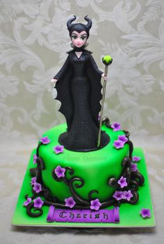 Maleficent - Cake by anna_bananna