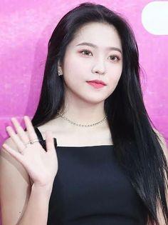 Kpop Girl Groups, Korean Girl Groups, Kpop Girls, Seulgi, Red Velvet, Girls Group Names, Kim Yerim, Coral Pink, My Beauty