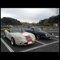 Some rare NA & NB front-end conversions / via @rev9autosport | #TopMiata #mazda #miata #mx5 #eunos #roadster #frontendconversion #jdm #esqueleto
