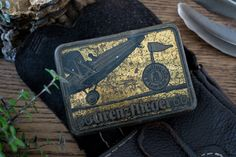 Beautiful vintage tobacco tin made between 1900 and 1930