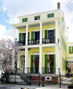 Garden District New Orleans, Louisiana. God I've wanted to live in the Garden District for so LONG New Orleans Homes, New Orleans Louisiana, Louisiana Usa, Cabana, New Orleans Garden District, Florida, Victorian Homes, Old Houses, Tiny Houses