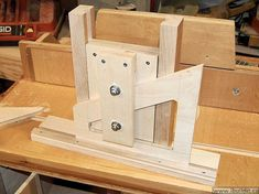- View all images at router lift folder Making A Router Table, Router Table Plans, Router Woodworking, Woodworking Workshop, Woodworking Crafts, Wood Crafts, Diy And Crafts, Wood Projects, Projects To Try