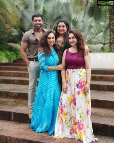 Arun Vijay Family Kavitha preetha anitha vijay kumar Actor Arun Vijay with Family & Cousins Sisters Gallery Long Dress Design, Stylish Dress Designs, Stylish Dresses, Long Gown Dress, Lehnga Dress, Frock Dress, Blouse Designs Silk, Bridal Blouse Designs, Designer Party Wear Dresses
