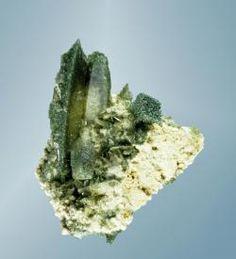 Titanite - Andermatt, Uri, Switzerland Size: 4.2 x 4.0 x 3.2 cm