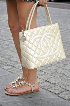 Chanel bag - Girl
