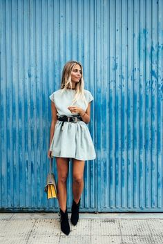 Street style Summer Spring 2020 Outfit inspiration Trend Women's fashion Women's style Casual Summer Dresses, Spring Dresses, Spring Outfits, Dress Outfits, Fashion Dresses, Cute Outfits, Casual Outfits, Beach Outfits, Dress Shoes