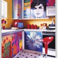 I would love to have something like this going on in my kitchen! The day Loren would ever allow...