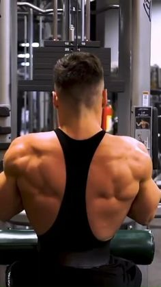 Gym Back Workout, Ripped Workout, Gym Workouts For Men, Gym Workout Chart, Full Body Workout Routine, Gym Workout For Beginners, Gym Workout Tips, Biceps Workout, Hiit Workout Videos