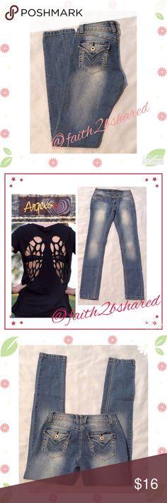 Jeans skinny leg👼🏼👼🏼Angels Very nice fade denim wash.  Skinny leg adorable👼🏼👼🏼👼🏼 inseam 30 Angels Shoes