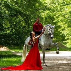 Beauty Horse And Human, Beautiful Horses, Spanish, Fancy, Happenings, Animals, Beauty, Animales, Beleza
