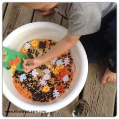 Halloween Sensory Play! This Halloween activity is perfect for preschoolers and toddlers