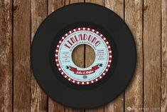Tanzschuhe an, es wird gefeiert! Eine echte Schallplatte als Einladungskarte mit authentisch nachempfundenem, hochwertig gedrucktem Label. Eine runde Sache. #vollstark
