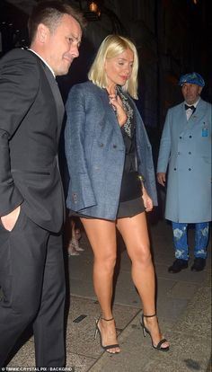 Sexy Outfits, Sexy Dresses, Stylish Outfits, Cool Outfits, Fashion Outfits, Beautiful Legs, Gorgeous Women, Beautiful Outfits, Holly Willoughby Feet