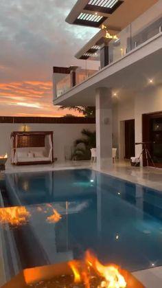 Dream Home Design, Modern House Design, Design Your House, Luxury Home Designs, Cool House Designs, Beautiful Villas, Beautiful Homes, House Beautiful, Village House Design