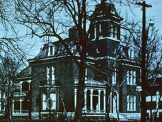 @gwendolen Raley - white trim. 1204 N. Park Ave., Morris-Butler House, c. 1961 :: Indianapolis Historic Preservation Commission Image Collection