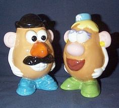 Potato Head Salt and Pepper Shakers Salt N Pepa, Potato Heads, Salt And Pepper Set, Salt Pepper Shakers, Cookie Jars, Decoration, Tea Pots, Pottery, Stuffed Peppers