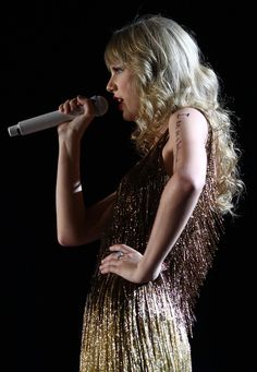 Taylor Swift performs live on stage at the The Burswood Dome on March 2, 2012 in Perth, Australia