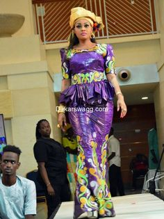 Mode Tabaski 2016 (21) African Dresses For Women, African Print Dresses, African Print Fashion, Africa Fashion, Tribal Fashion, African Attire, African Wear, African Women, Fashion Prints