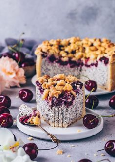 This vegan Cherry Crumble Cheesecake with poppy seeds and crunchy Streusel Topping is easy to make and so delicious! Serve this simple coffee cake with any fruit you like for a delightful dessert. Cake Recipes Without Oven, Cake Recipes From Scratch, Easy Cake Recipes, Healthy Dessert Recipes, Desserts Sains, Köstliche Desserts, Health Desserts, Dessert Simple, Best Vegan Chocolate