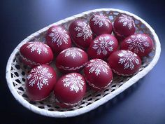 Ideas and Decor Eastern Eggs, Egg Art, Easter Dinner, Egg Decorating, Craft Stick Crafts, Wax, Christmas Decorations, Homemade, Cool Ideas