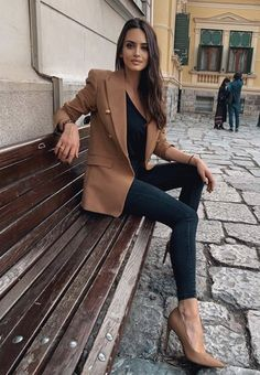 Fashion Tips Videos .Fashion Tips Videos Work Fashion, Skirt Fashion, Fashion Outfits, Womens Fashion, Fashion Tips, Minimalist Fashion French, Iranian Women Fashion, Professional Attire, Great Women