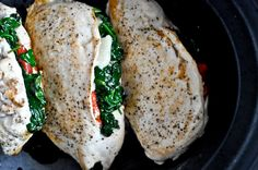 Crockpot Stuffed Chicken Breasts with Spinach, Roasted Red Pepper, Parmesan and Goat Cheese Crockpot stuffed chicken breasts with roasted red peppers, spinach, parmesan and goat cheese.looks delicious! Slow Cooker Recipes, Crockpot Recipes, Chicken Recipes, Healthy Recipes, Healthy Chicken, Delicious Recipes, Yummy Food, Thin Sliced Chicken, Goat Cheese Stuffed Chicken