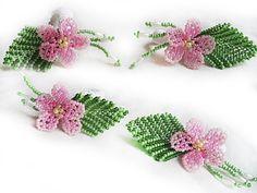 Seed Bead Flowers, French Beaded Flowers, Beaded Ornament Covers, Beaded Ornaments, Beading Patterns, Flower Patterns, Crochet Earrings Pattern, Handmade Beaded Jewelry, Earring Tutorial