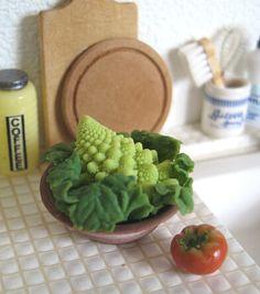 1:12th scale - Romanesco cauliflower and tomato