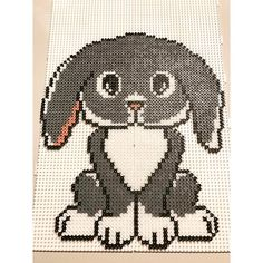Færdig  #perlevenner#kanin#tilisabellasværelse#nuskaldensåstryges#udfordringdadenliggerpåsofabordet#kananbefalebogen#perlevenner#anjatakacs# Hama Beads Animals, Beaded Animals, Fuse Beads, Perler Beads, Hama Beads Patterns, 2d Art, Pixel Art, Baby Animals, Cross Stitch