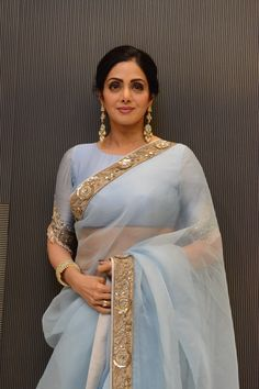 Sridevi's sari game is unbeatable! From Sabyasachi Mukherjee to Manish Malhotra, every designer's sari looks magical on this Indian beauty. This time around, celebrity stylist Ami Patel picked out an ethereal. Indian Attire, Indian Wear, Indian Dresses, Indian Outfits, Lehenga, Sabyasachi, Sari Bluse, Indische Sarees, Modern Saree