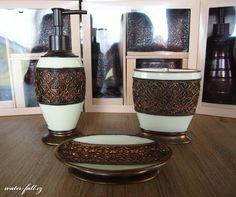 Bronzové koupelnové doplňky  http://www.waterfall-products.cz/c/koupelnove-doplnky/stojankove