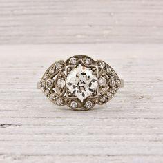 Antique Art Deco Ring...