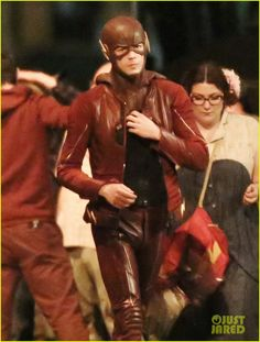 Grant Gustin Thankful To Be Part of 'The Flash' While Wrapping Season 2 | grant gustin teddy sears fight scene flash filming 01 - Photo