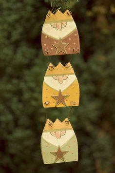 "Cute ""'Wee' Three Kings""!~ Window hanging inspiration"