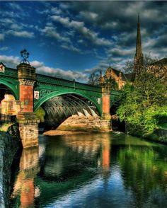 Gran Puente del Oeste en Glasgow, Escocia