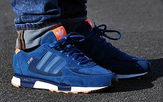 adidas Originals ZX 850 – Tribe Blue / New Navy - Adidas are coming up! Adidas Zx, Me Too Shoes, Men's Shoes, Shoes Sneakers, Fashion Mode, Fashion Shoes, Runway Fashion, Sneaker Online Shop, Pink Beige