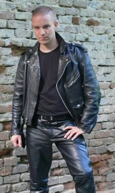"""beverley4: """"Nice shaved lad """" So,life his leathers, sexy look in his eyes"""
