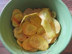 Mikrowellenkräuterchips Rezept | GuteKueche.at