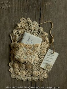 pretty little vintage lace pouch