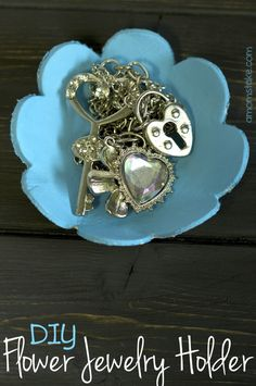 DIY jewelry holder - cute flower shape or make whatever shape you prefer! Super easy project you can make with kids.